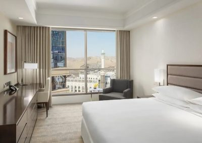 Hyatt-Regency-Makkah-P019-King-Bedroom-with-View.4x3