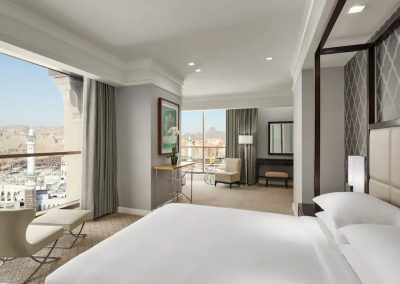 Hyatt-Regency-Makkah-P020-Royal-Suite-Bedroom.4x3
