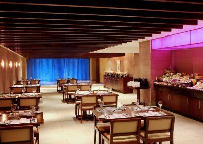 jedmk-restaurant-8265-hor-clsc