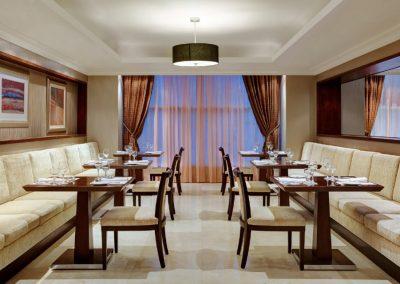 jedmk-restaurant-8267-hor-clsc